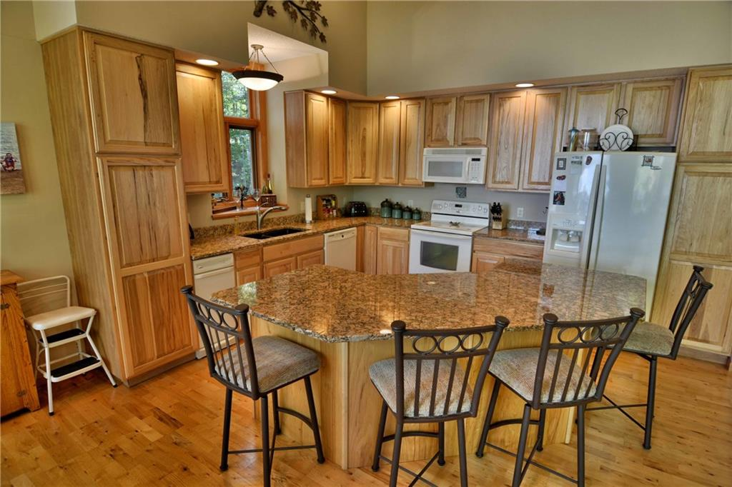 glamarous luxury kitchen in 22420 Circle Drive