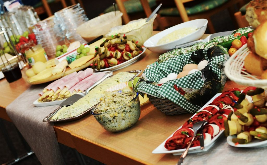 buffet dinner and other cable holiday events