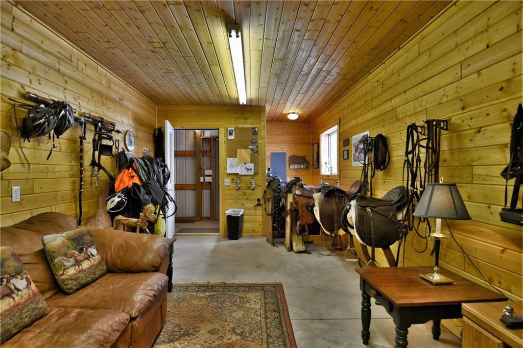 heated tack room at 54430 Four Corners Store Road, Mason WI